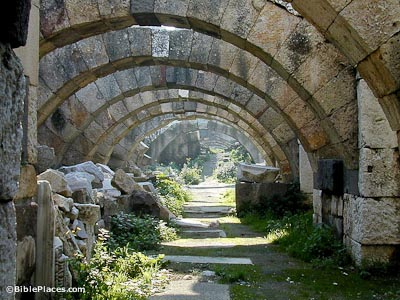 Smyrna-agora-first-level-arches-tb010601916-bibleplaces